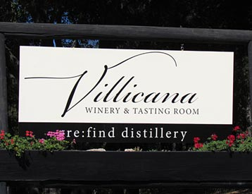 Villicana WInery & Tasting Room Sign